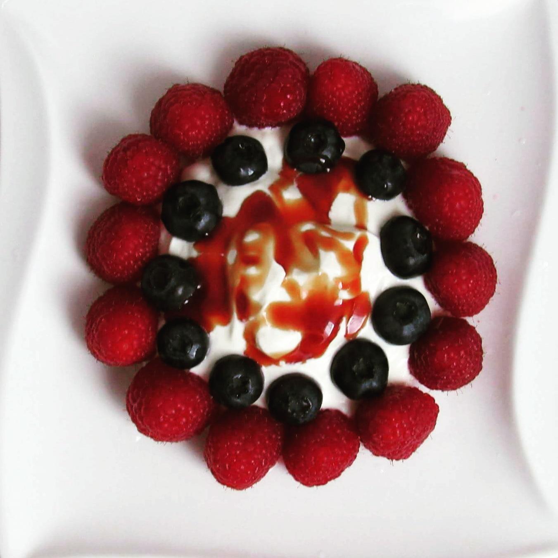Krém z mascarpone s ovocem