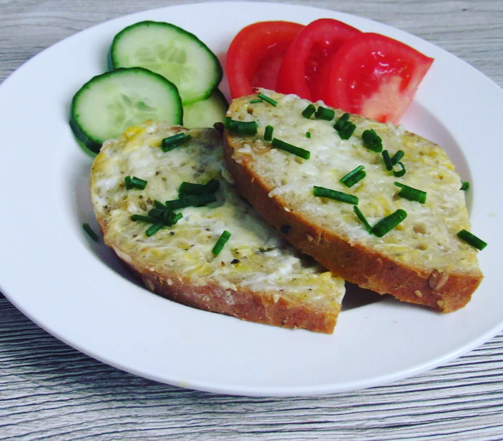 Zapečený chleba se sýrem