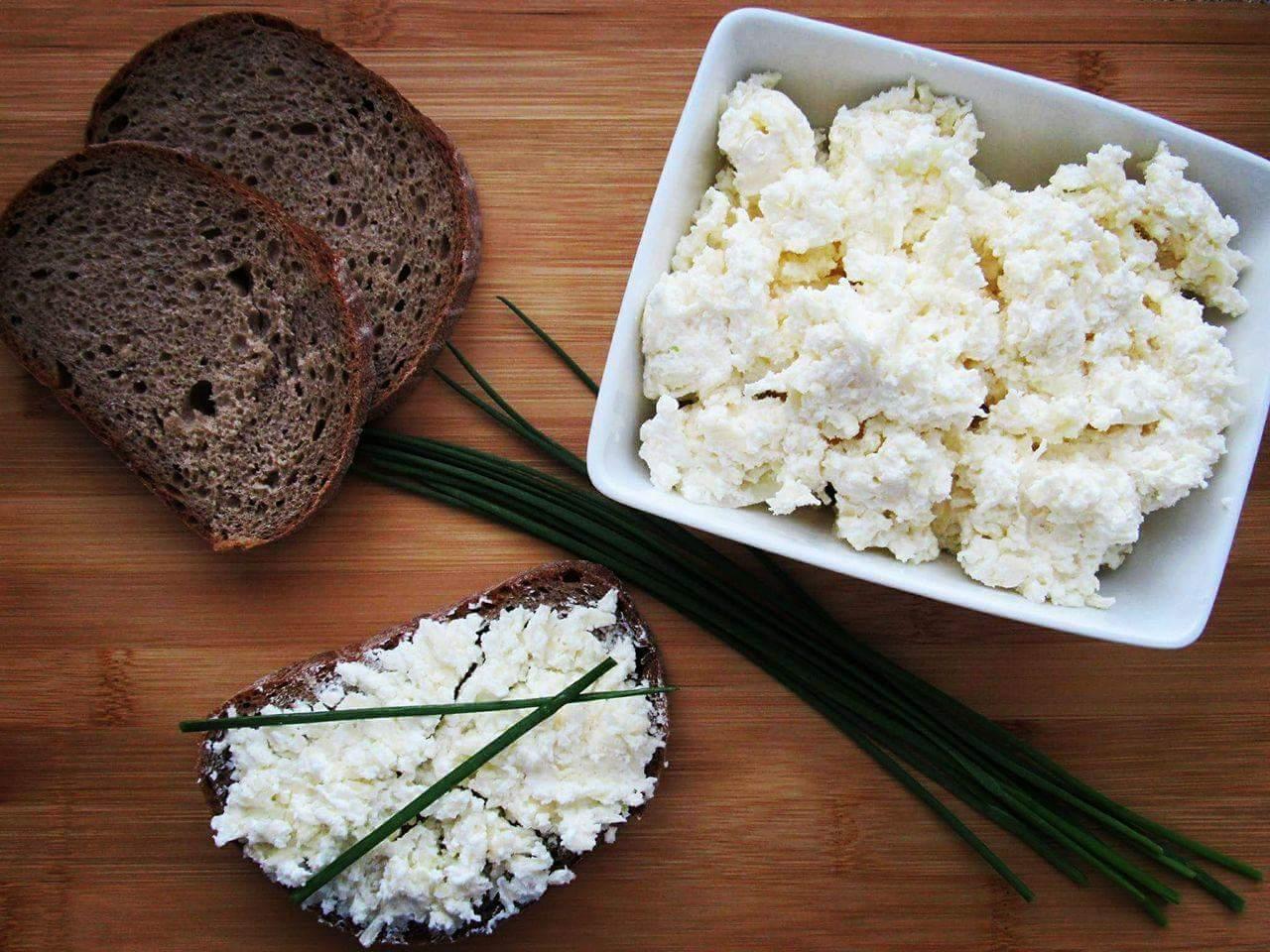 Sýrovo-česneková pomazánka