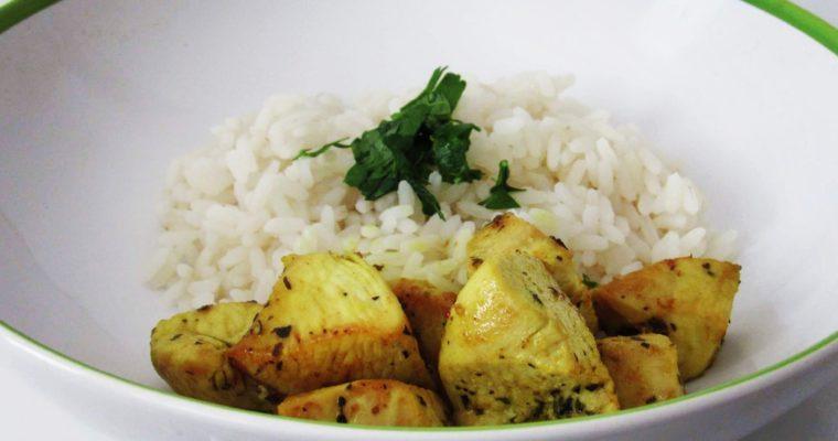 Kuřecí kousky na kari s rýží