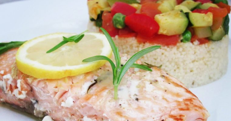 Grilovaný losos se zeleninou a kuskusem